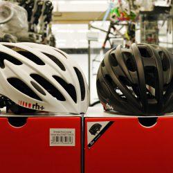 RH+の軽量・エントリーモデルのヘルメットです
