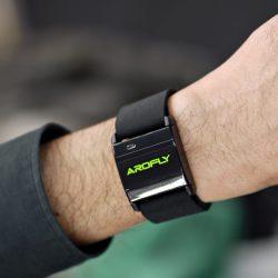 腕で計測できる心拍センサーです。
