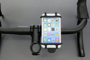 ハンドルやステムに取り付けられるスマートフォンホルダー