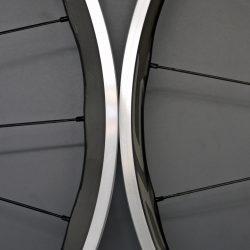 新設計されたシマノ・カーボンラミネートホイールです