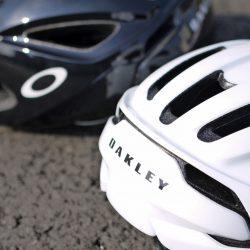 OAKLEYヘルメットがついに発売