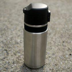 大きすぎずケージから出しやすいサイズのステンレスボトル