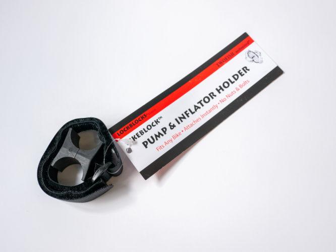 ミニポンプなどをスマートに携帯できるホルダー